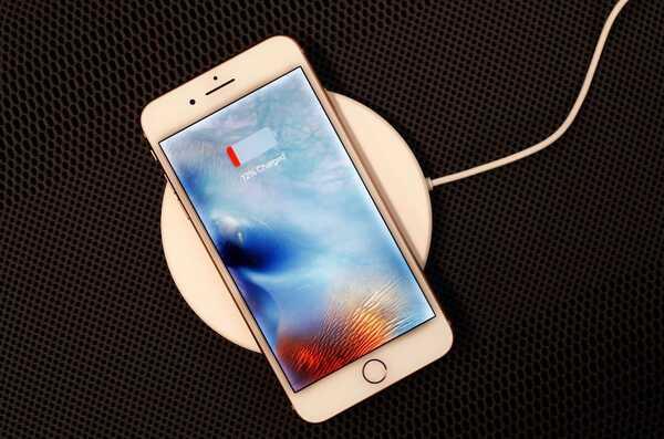 Việc sạc iPhone hàng ngày của bạn không quan trọng bằng lần sạc đầu tiên, nhưng vẫn ảnh hưởng đến pin của điện thoại.